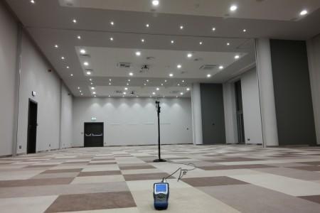 Pomiary hałasu w modułowych salach konferencyjnych
