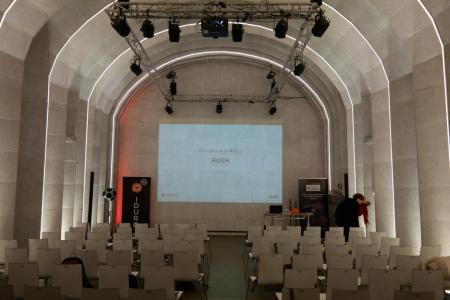 Sala konferencyjna pod ziemią